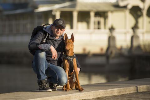 Tõnis Krikk oma koera Treffiga. Pildi tegi abikaasa Monika Pook.
